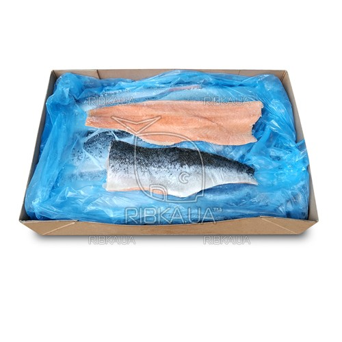 Филе лосося на шкуре 0,5-1,0 кг (20 кг)